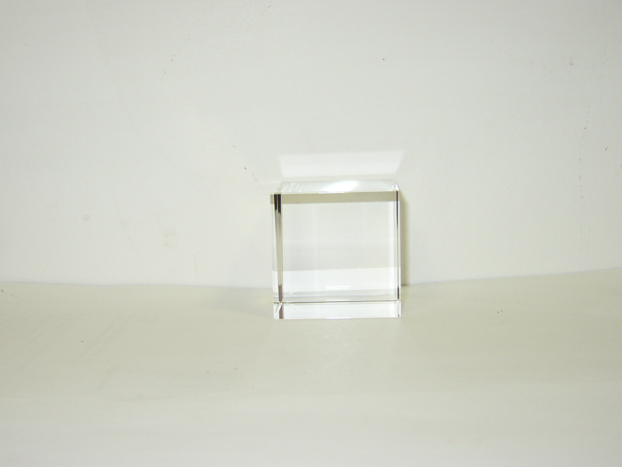 Optical Glass Cube 9 cm