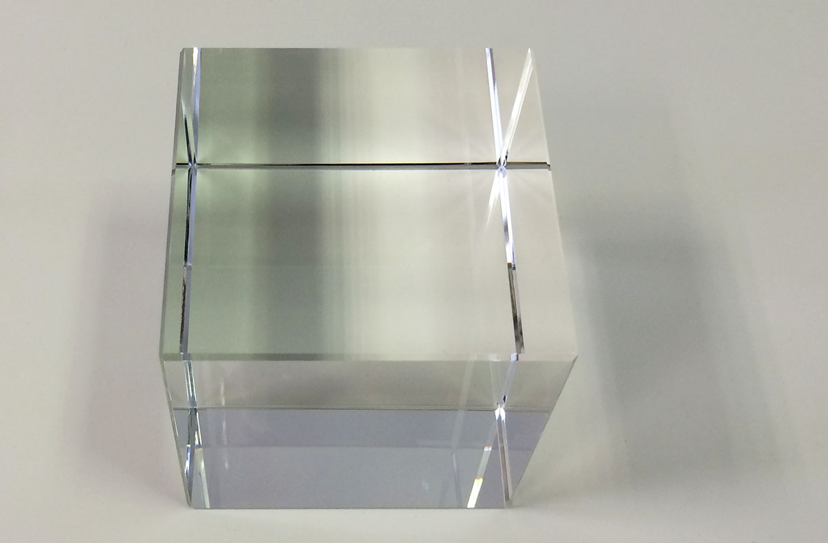 crystal-glass-cube-20cm
