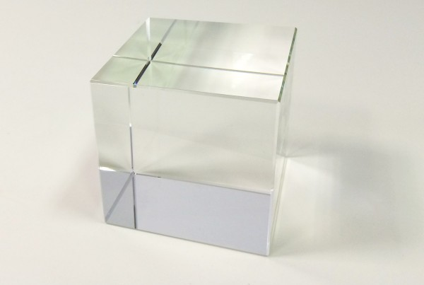 crystal-glass-cube
