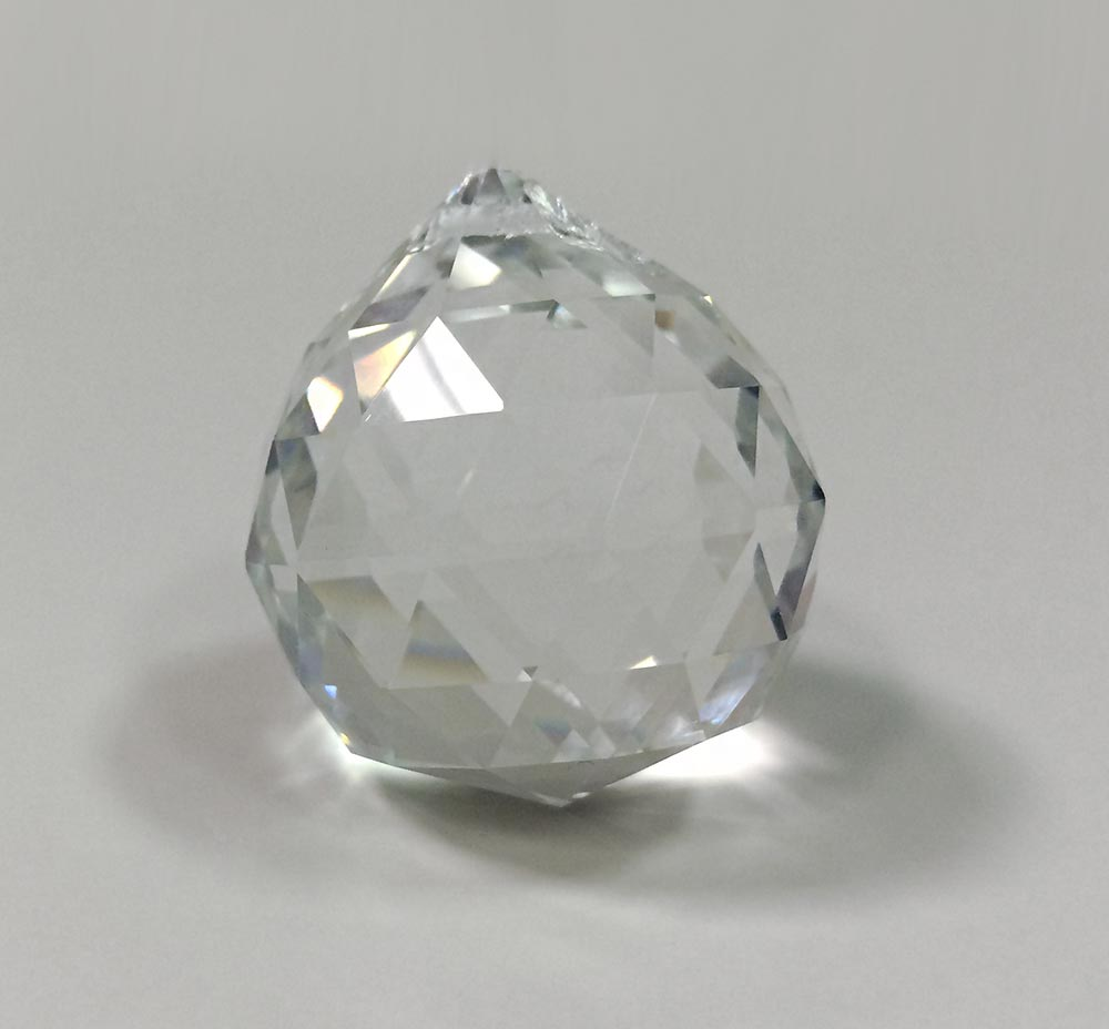 faccetted-glass-hanging-ball