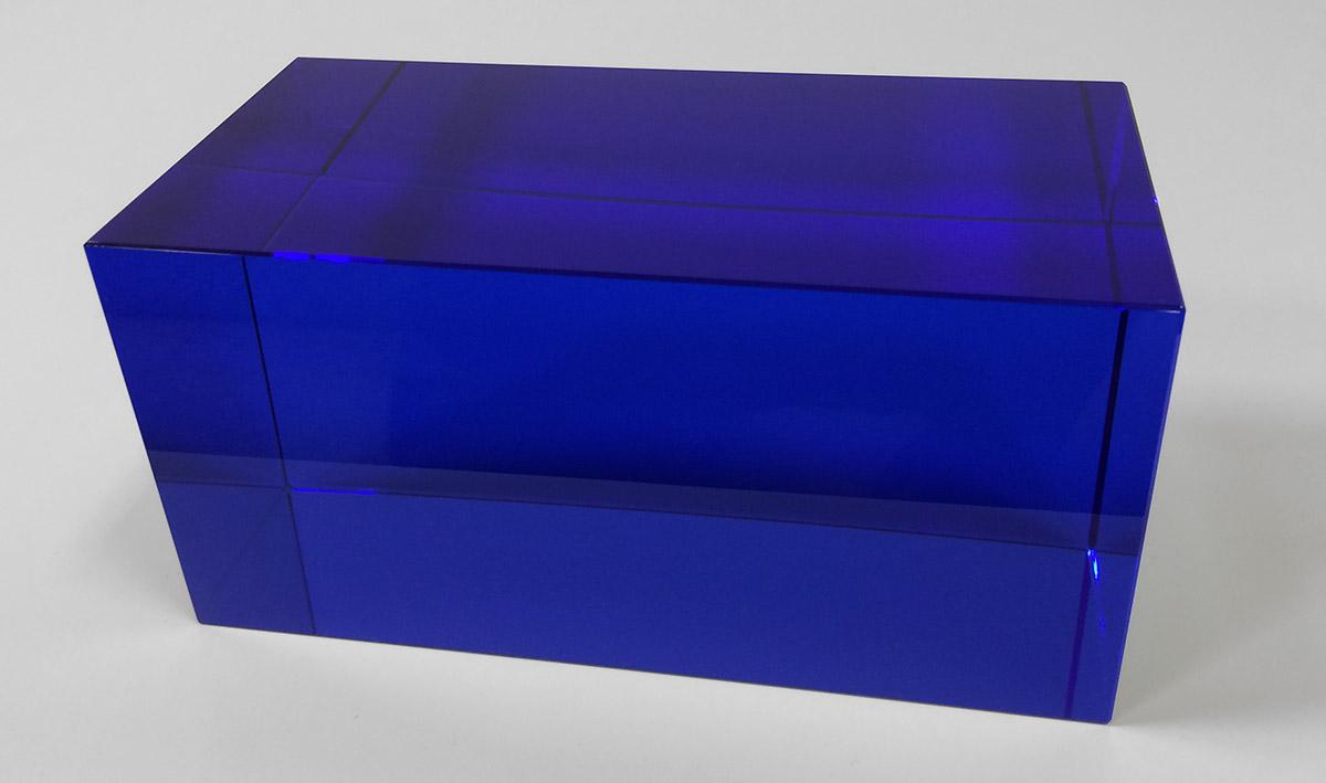 glass-rectangle-blue