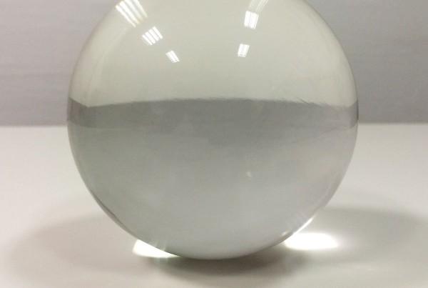 glass-sphere-transparent