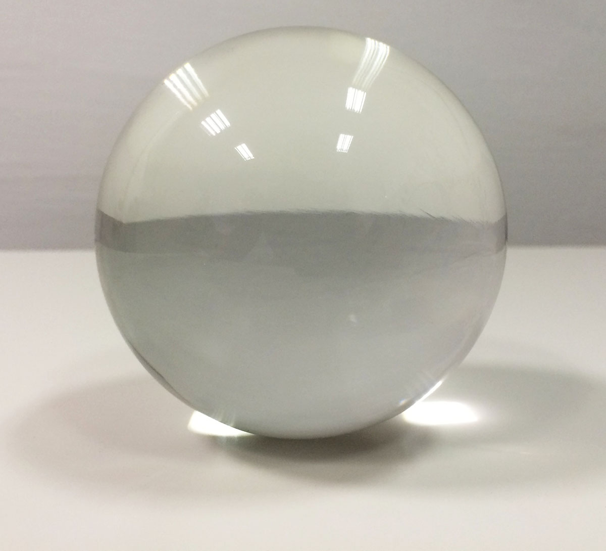 glass-sphere-transparent