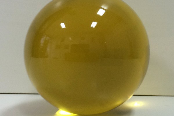 glass-sphere-gold